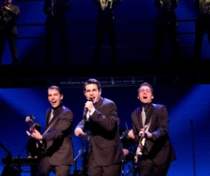Win 2 Tickets to JERSEY BOYS on May 22