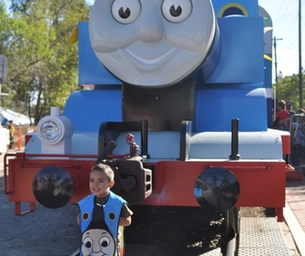 LAST WEEKEND FOR DAY OUT WITH THOMAS THE TRAIN!!