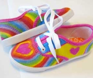 DIY: Hand-Colored Shoes!