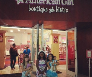REVIEW: American Girl Boutique & Bistro