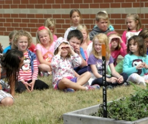 Students Harvest Teaching Gardens in Bloomington