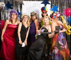 Seattle Mom Prom is the Ultimate Ladies Night Out
