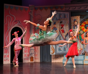 """Don't Miss """"The Nutcracker"""" at New York Theatre Ballet"""