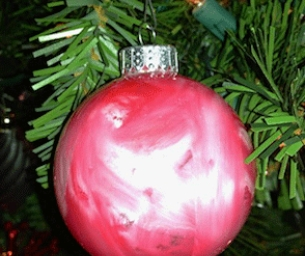 Macaroni Made: Create Ornaments from Old Crayons!