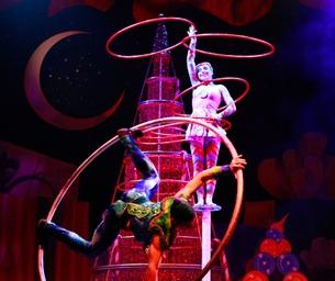 Cirque Dreams Holidaze  - Get Your Tickets Now