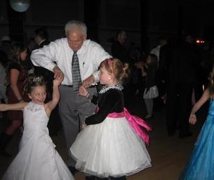 Registration Begins for Daddy Daughter Dance