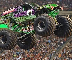 Monster Jam Trucks Returns to IZOD Center and Nassau Coliseum