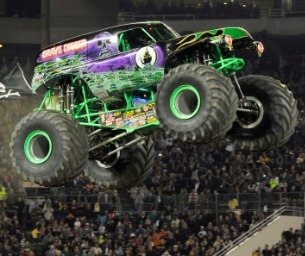 GIVEAWAY!!! Enter to Win 1 of 2 Family 4-Pack's to MONSTER JAM