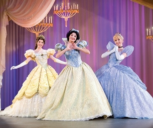 MACARONI GIVEAWAY! DISNEY LIVE! THREE CLASSIC FAIRY TALES