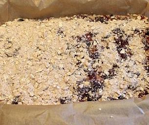Macaroni Yum:  Berry Breakfast Bars