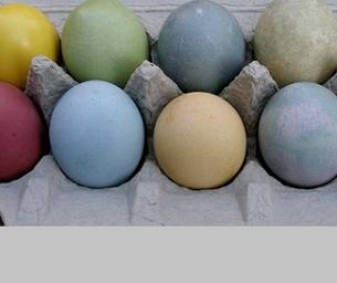 Macaroni Celebrates: Natural Egg Dye
