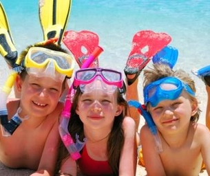 Special 2015 Summer FUN Issue: Water Style/Water Safety